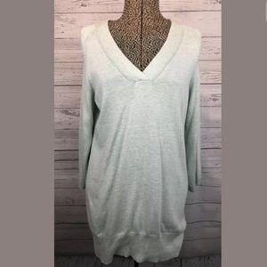 Seven7 long sleeve vneck sweater green medium